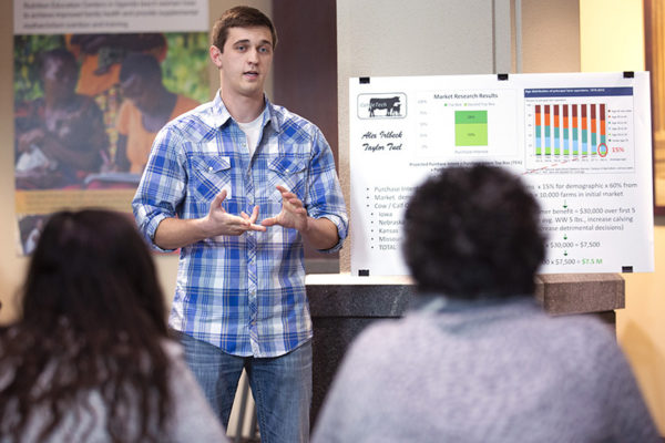 College-level pitch contest draws startup ideas from all corners